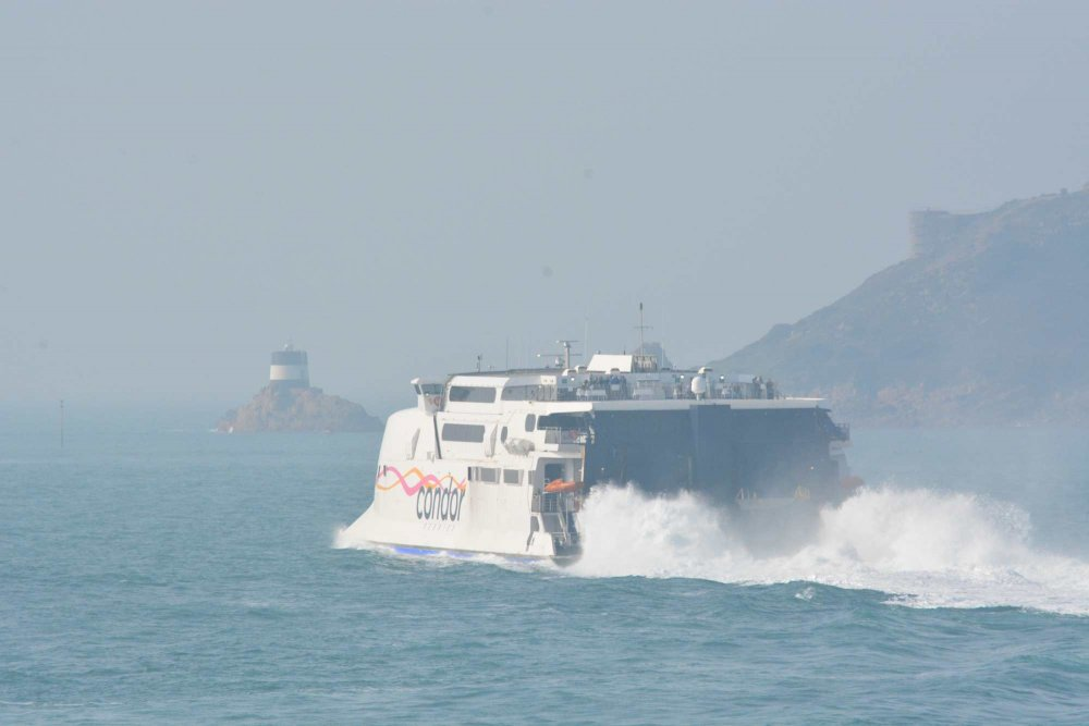 Rapide leaving Jersey for Guernsey.JPG