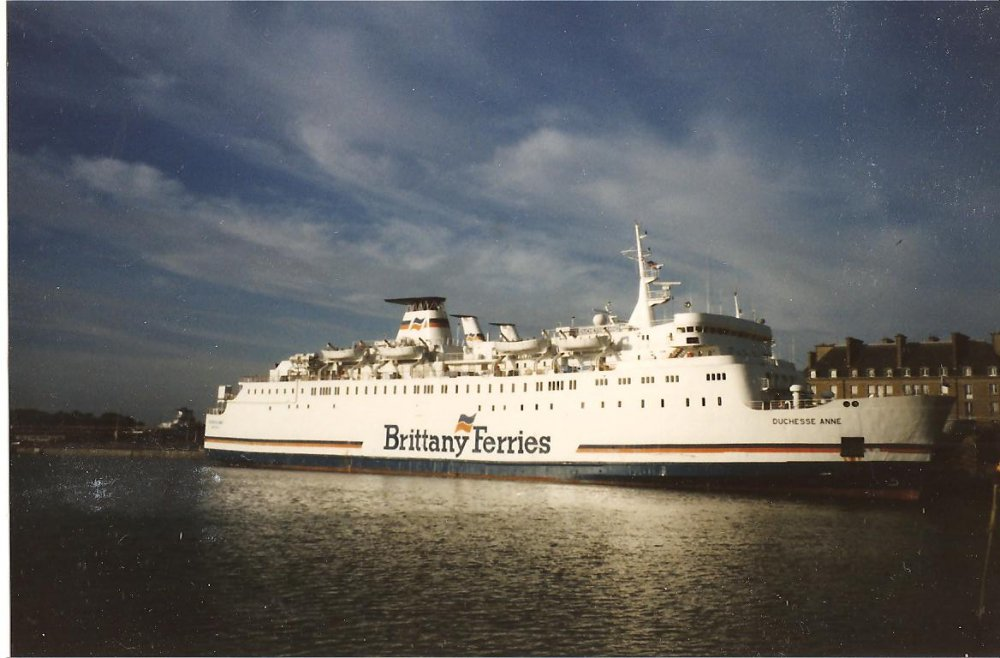 Mv Duchess Anne & Armorique  Laid up in St Malo 1993 no1.jpg